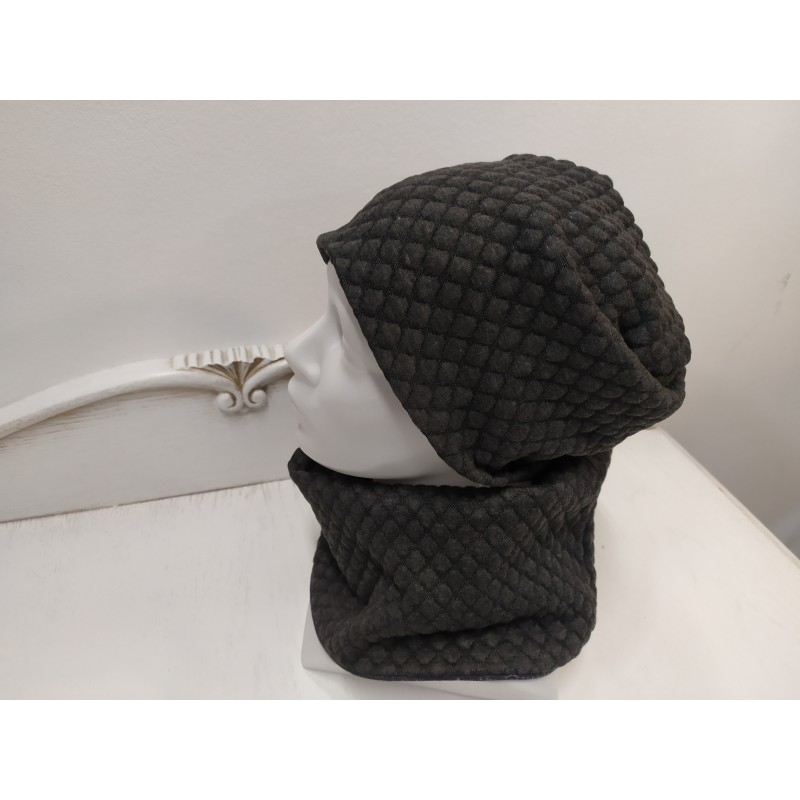 Moteriškas rinkinys (kepurė, movas)