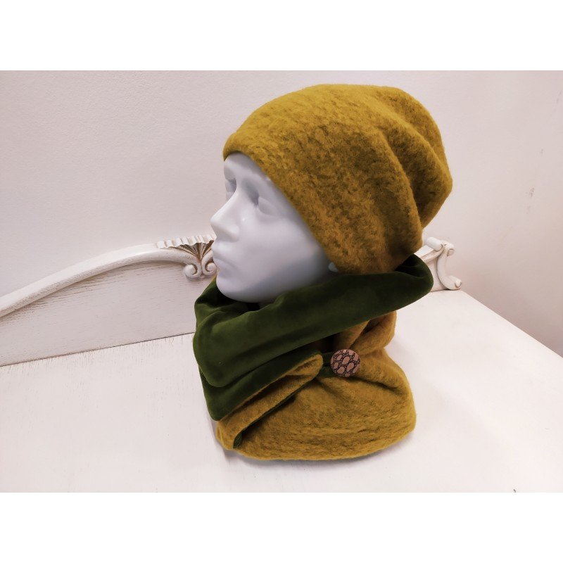 Moteriškas vilnonis rinkinys (kepurė, šalikas su saga)